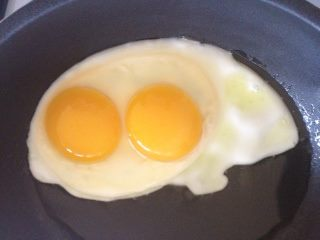 An amazing double-yolker